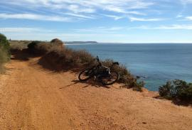 Cycling (Cádiz): Roche-Conil along the cliff-top